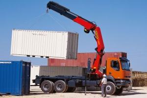 Владельцам грузовых автомобилей: кран-манипулятор поможет поднять ваши доходы на новую высоту!