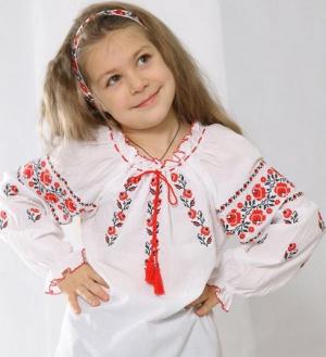 Сорочку-вишиванку для своєї дитини можна вишити й пошити власноруч c854452b9eec7