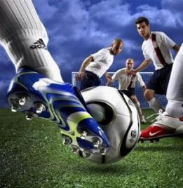 Футболисты выбирают лучшие бутсы для футбола!