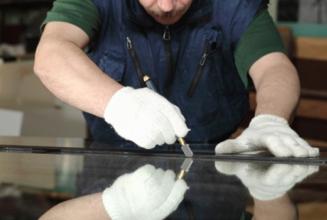 Королівство якісних дзеркал: чому варто купити дзеркало вологостійке в українського виробника