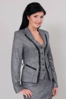 Жіночий класичний костюм - потужна зброя на ділових переговорах - Статті -  УкрБізнес 16e5f7f2d41a1