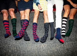 Виробництво шкарпеток може стати дуже прибутковою справою. Судіть самі   продукція досить популярна. І щоб відкрити свій бізнес dc82ef616fd47