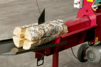 Вибираємо обладнання для рубання дров
