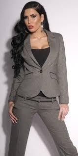 Насамперед жіночий діловий костюм – це «двійка» або «трійка» з брюками або  спідницею 4abd5a1f2aac9