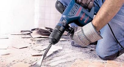 Демонтаж перегородок, плитки, стін та стяжок