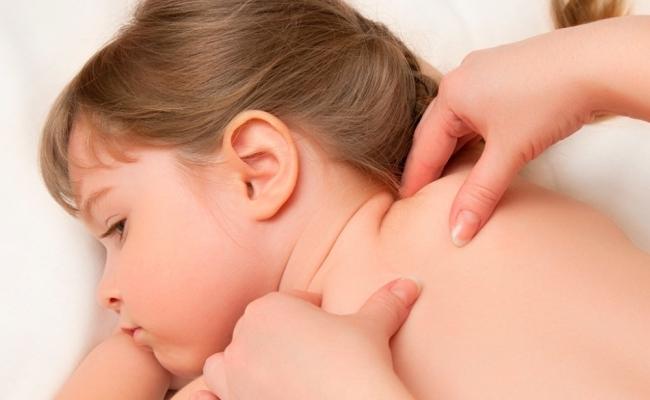 Дитячий масаж у Луцьку: техніка проведення лікувального масажу та його користь