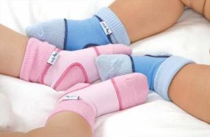 Дитячі шкарпетки оптом - важливий елемент в дитячому гардеробі