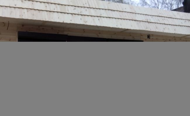 Чим обробити дерев'яний кіоск? Надійно, просто та довговічно