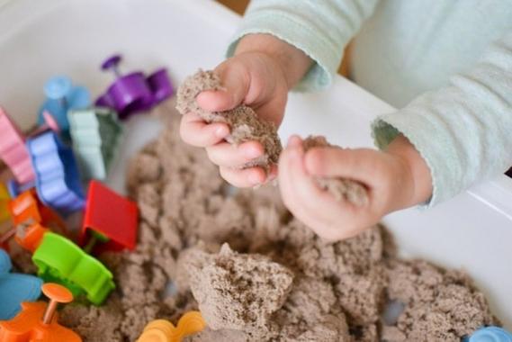 Іграшка пісок кінетичний недорого – чудовий вибір для дитини