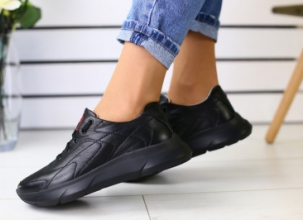 Купити шкіряні  жіночі кросівки: обираємо спортивне взуття