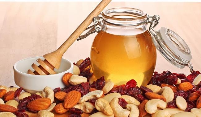 Укрепляйте иммунитет с удовольствием - покупайте сухофрукты и орехи оптом