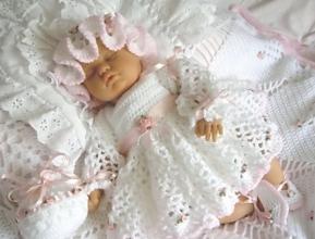 Костюм на виписку для новонародженого: топ-3 найкращі марки дитячого одягу!