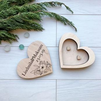 Коробочка для обручок з дерева на весілля – головна дрібничка на Вашому святі!