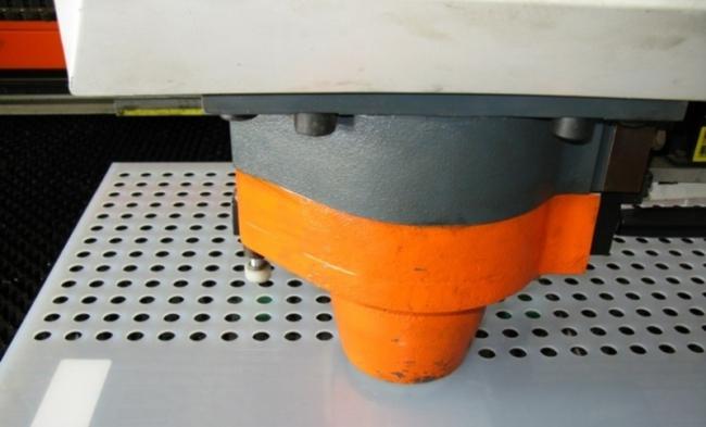 Обробка листового металу, перфорація металу