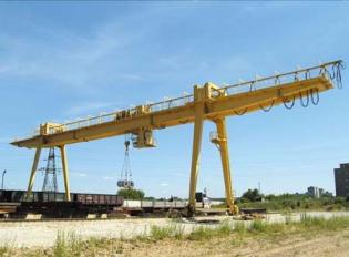 Монтаж вантажопідйомних кранів, ліфтів і вантажних підйомників (вантажопідйомників)