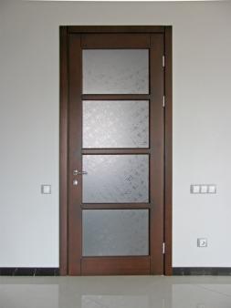 Купити міжкімнатні двері із дерева