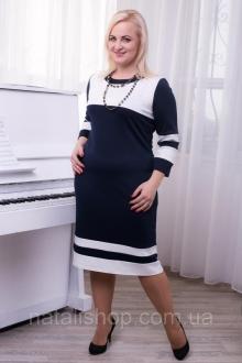 Стильні жіночі сукні великих розмірів
