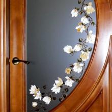 Реализуем стекло для межкомнатных дверей по выгодным ценам