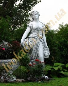 У нас можно купить скульптуру для сада