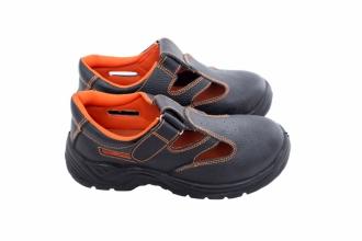 Продається робоче взуття оптом