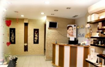 Найкраще обладнання для салонів краси та перукарень ТУТ!