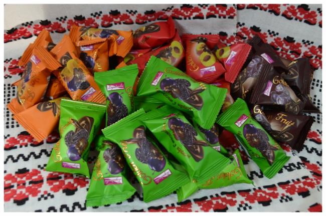 Сухофрукти в шоколаді оптом
