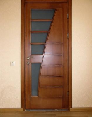 Дизайн дверей із дерева