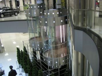 Панорамные лифты - стильная деталь строений, которым есть что показать!