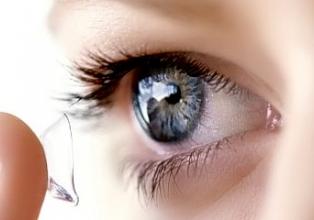 В продаже мягкие контактные линзы