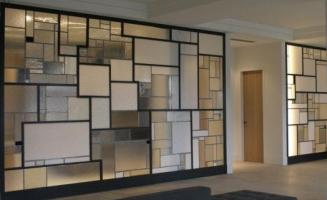 Скляні перегородки для дому - прикраса і практичність