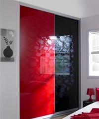 Необычный вариант - стекло крашеное, цена приемлемая