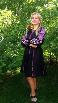 У Рівному вишиті плаття купити можна в «Ярині» - Оголошення ... 8ab504b842438