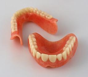 Вставить зубные протезы не проблема!