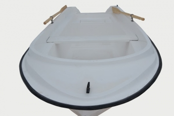 В продаже лодка из стеклопластика, не дорого