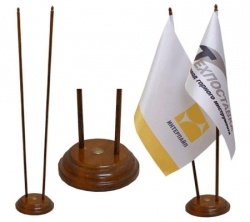 Прапорці з логотипом (настільні) від Yushkaluk & Co