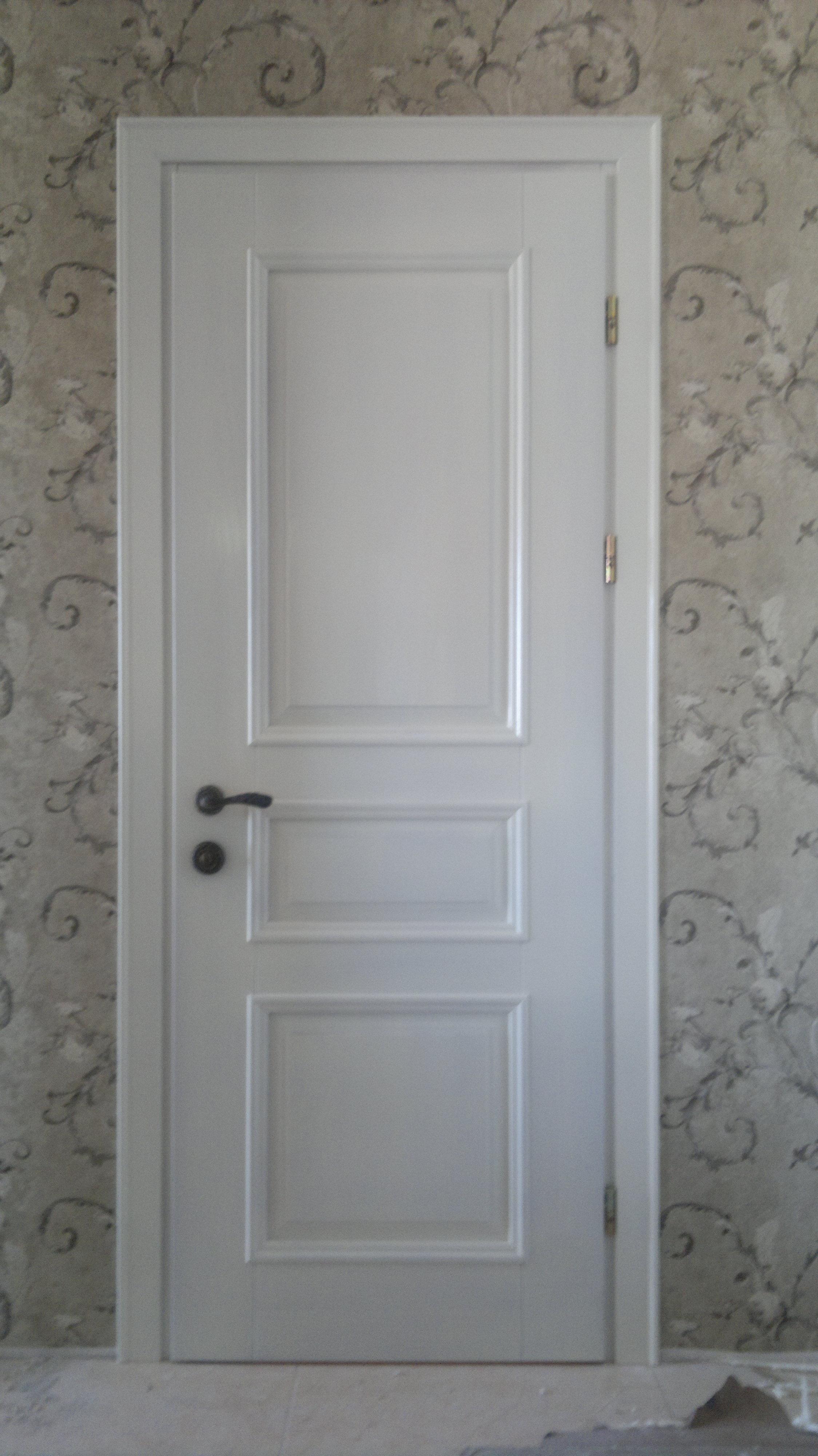 Міжкімнатні дерев'яні двері в стилі мінімалізм замовити