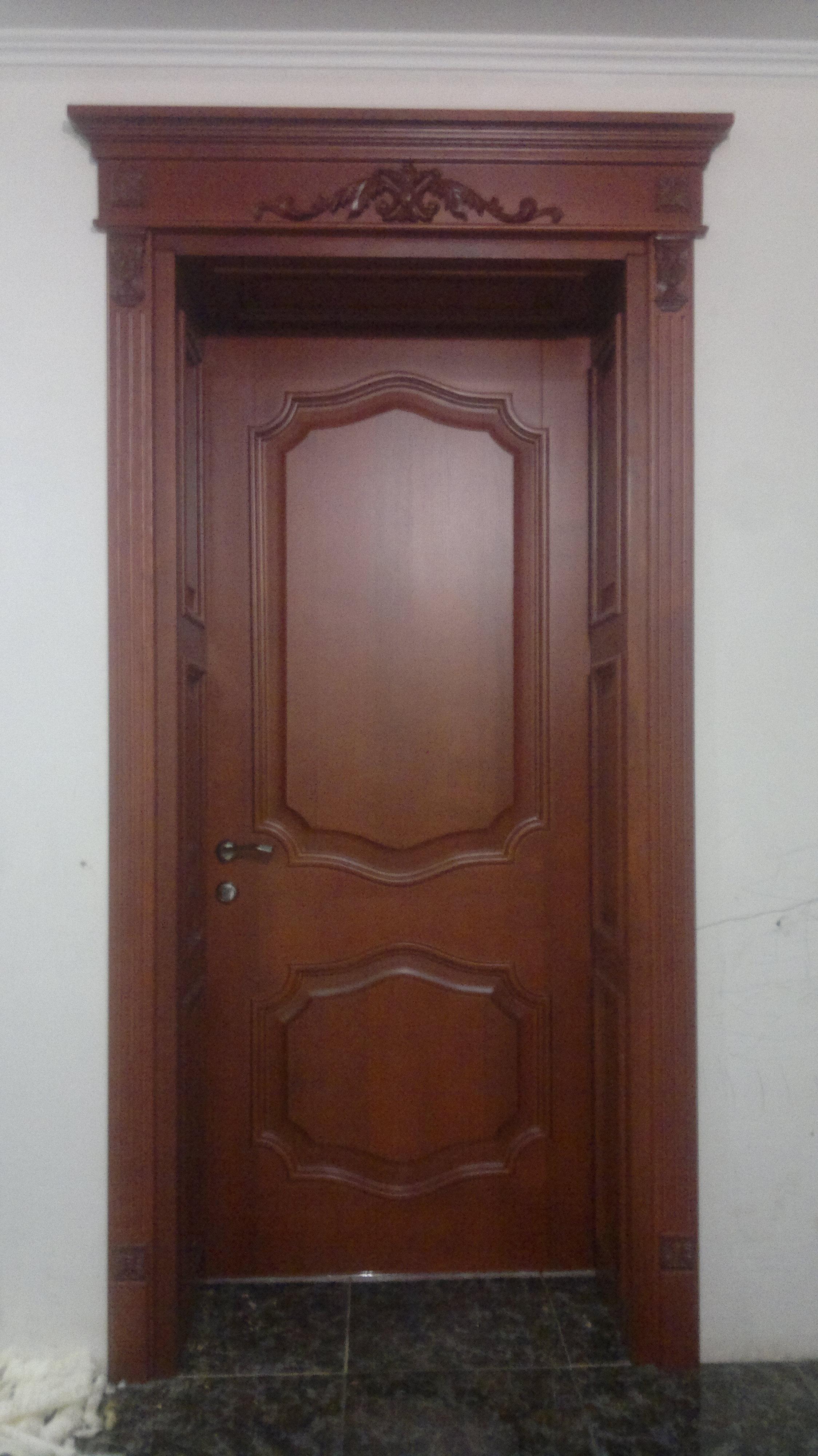 Міжкімнатні дерев'яні двері на замовлення