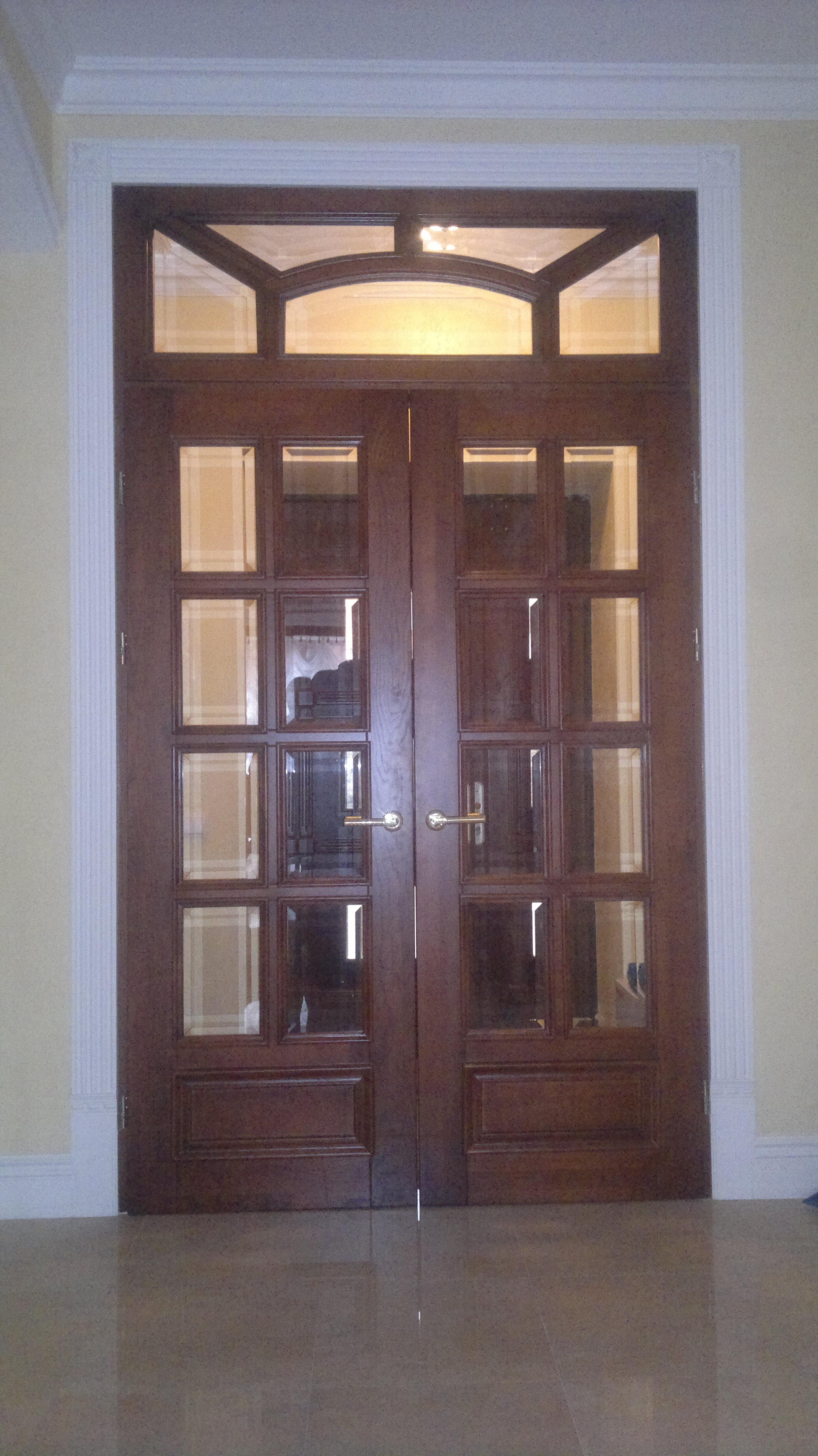 Купити міжкімнатні розпашні дерев'яні двері зі склом