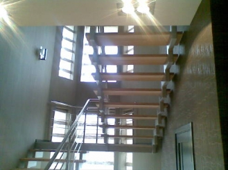 Изготовление лестниц из нержавеющей стали на заказ