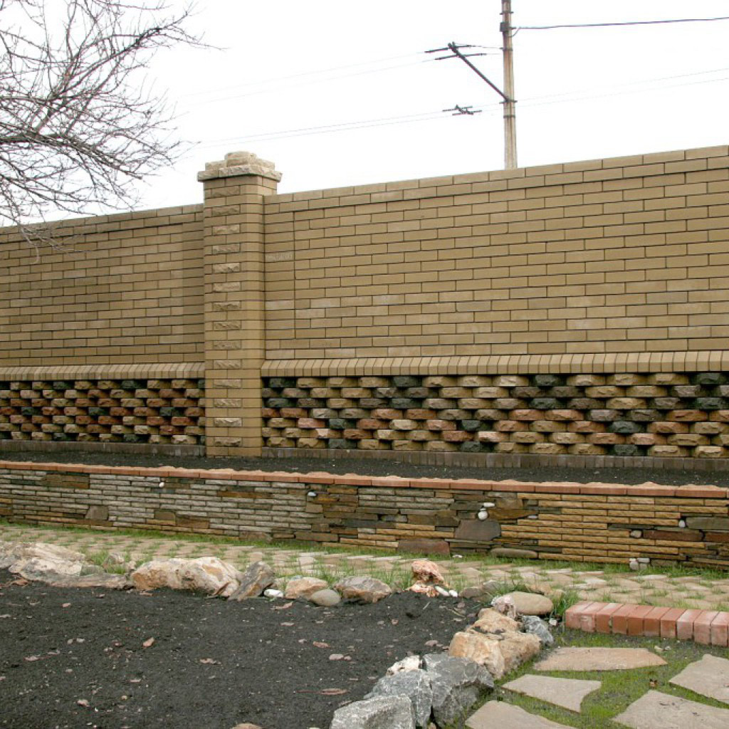 Забор из кирпича (Луцк, Львов) — быстро и качественно