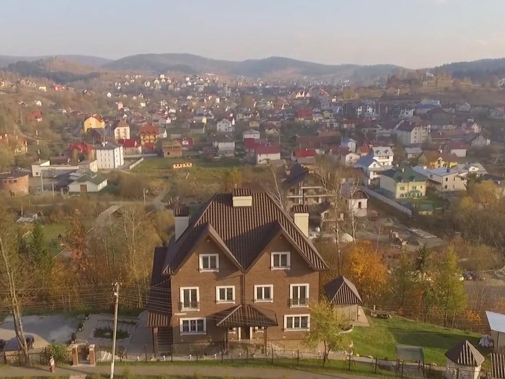 Зняти житло в Східниці: готель Фавар Карпати