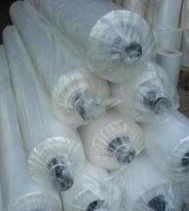 Продается пленка полиэтиленовая для теплиц недорого