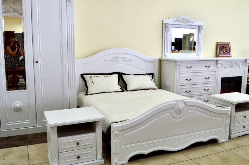 Дубовая мебель для спальни: изысканно и недорого