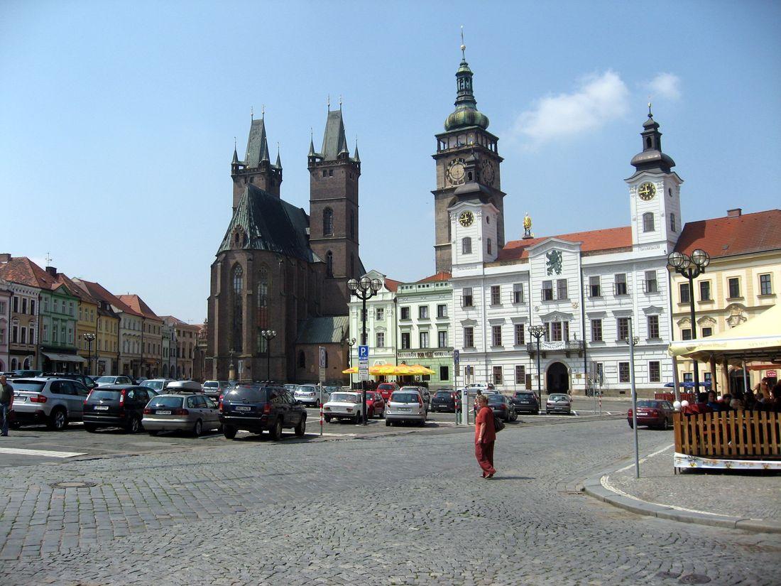 Робота в Чехії для жінок. Прибирання на фабриці.