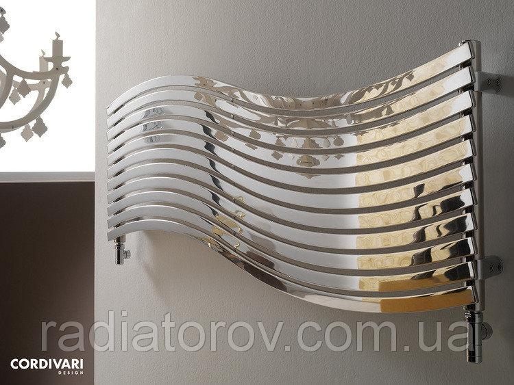 Дизайнерська рушникосушка у ванну