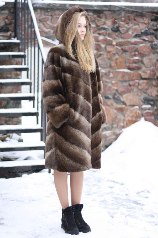 Шуба из бобра: красиво, модно, тепло