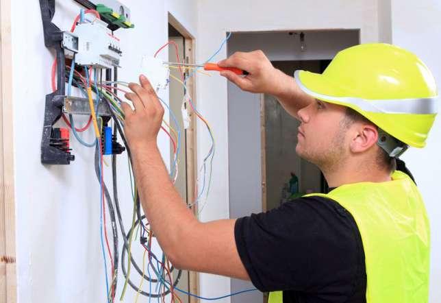Потрібні електрики на роботув Чехію!
