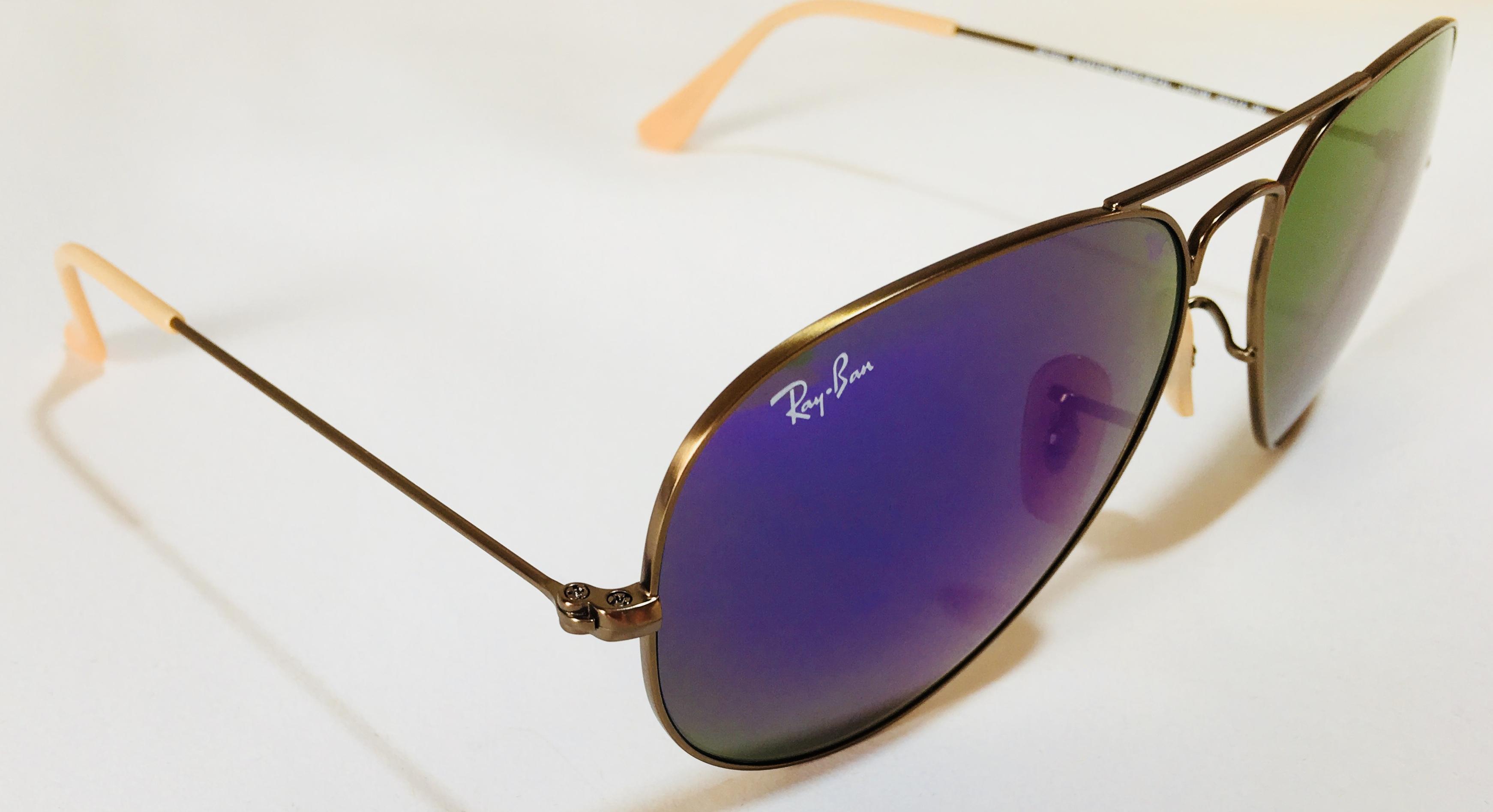 В продажі окуляриавіатори Ray Banпо шаленій знижці!