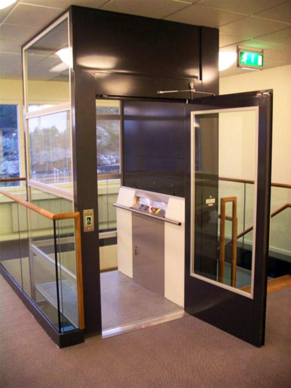 Продаетсяпассажирский лифт для общественных зданий