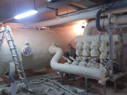 Напилювана теплоізоляція пінополіуретаном трубопроводів недорого